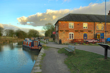 Picture of a pub next to a canal